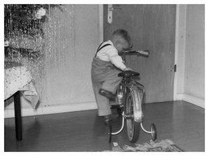 Fahrradkarriere_001_(Weihnachten-1958)_crop_border
